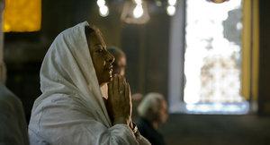 Стоит ли идти в храм во время месячных